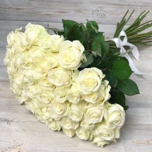 Купить на заказ Заказать Букет из 51 белой розы с доставкой по Караганде с доставкой в Караганде