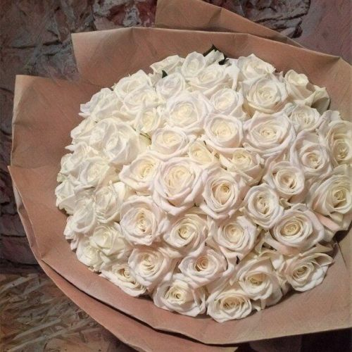 Купить на заказ Заказать Букет из 101 белой розы с доставкой по Караганде с доставкой в Караганде